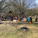 発掘の散歩術(82) – デュッペル村で味わう中世の春 –