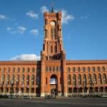 輝きを取り戻した「赤の市庁舎」