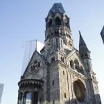 発掘の散歩術(79) -あの夜から1ヶ月 カイザー・ヴィルヘルム記念教会前で-