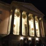 発掘の散歩術(90) -「破壊された都市」の歌劇場がよみがえる-